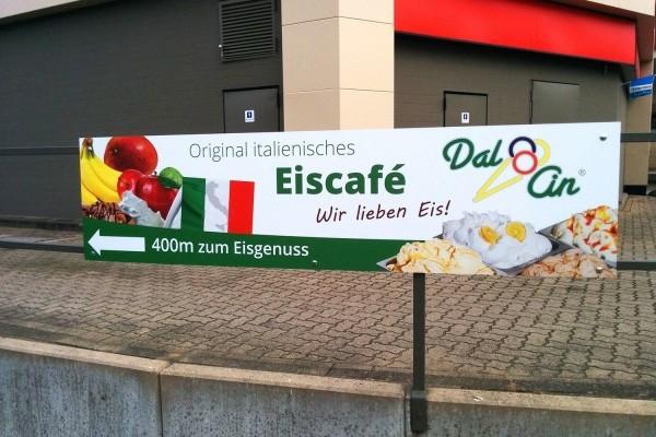 Werbeschild Esso Dal Cin Eiscafe